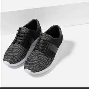 Zara Trafaluc Yeezy Sneaker